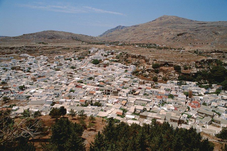 Vue sur la ville de Lindos. (© Author's Image))