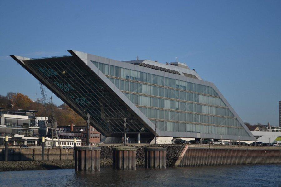 Le bâtiment futuriste Dockland. (© Juliette  MANTELET))