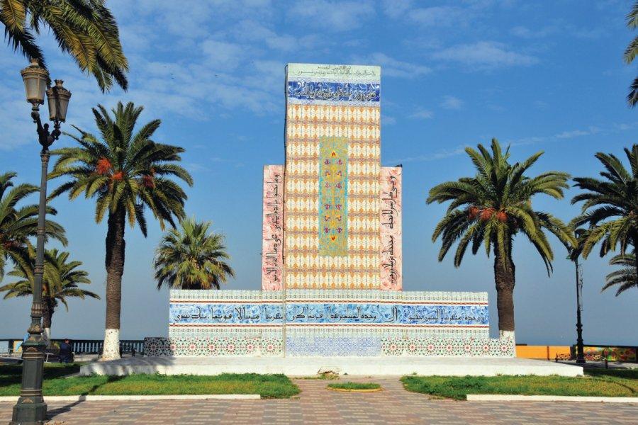 Stèle du Maghreb sur la place Bamako d'Oran. (© mtcurado))