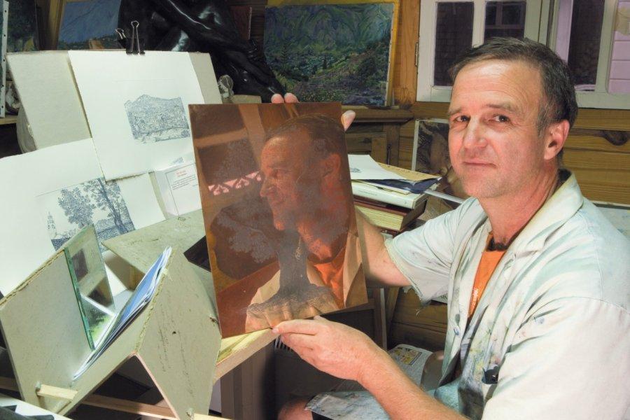 Atelier de Philippe Turpin, gravures (technique de l'eau-forte) et sculptures sur bronze vous y attendent! (© Author's Image))