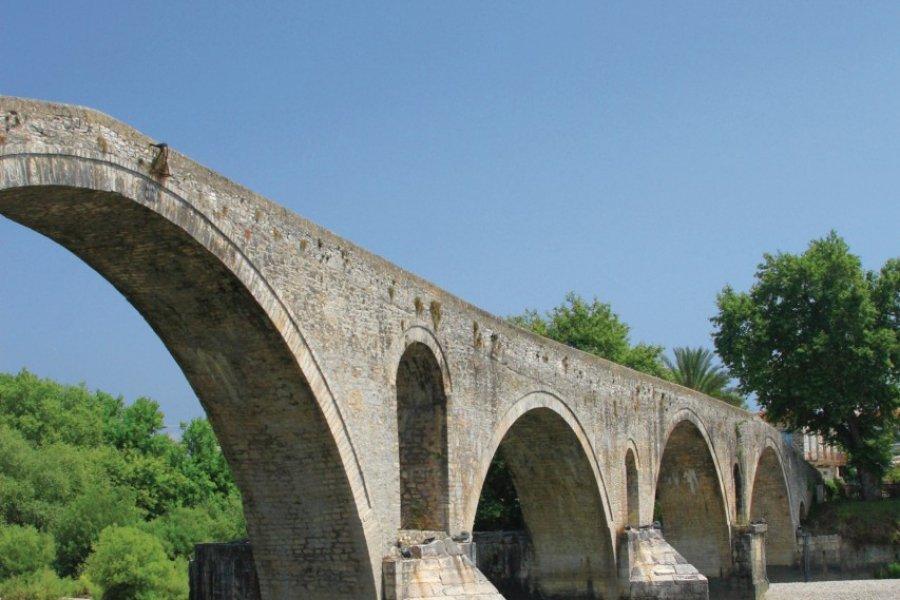 Pont byzantin d'Arta. (© Netfalls - Fotolia))