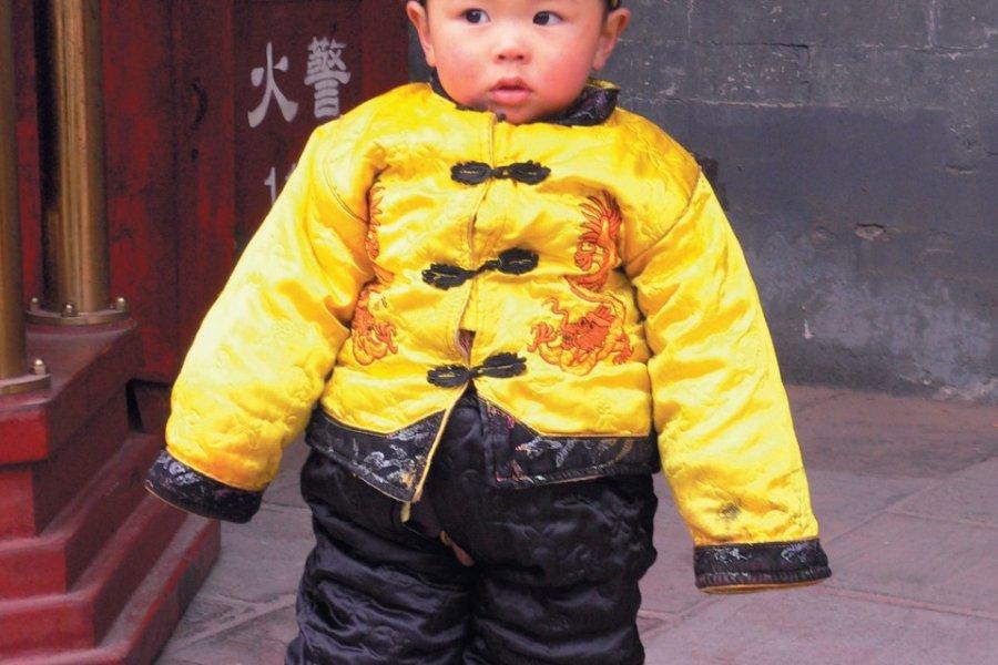 Les Chinois adorent déguiser leurs enfants en petit Empereur. (© Stéphan SZEREMETA))