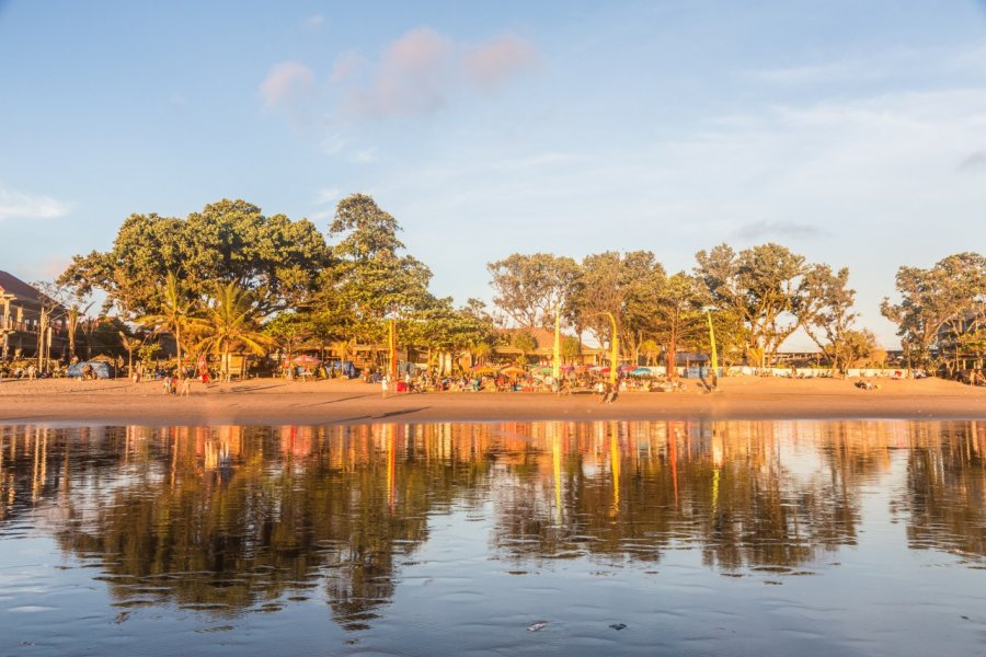 Fin de journée sur la plage de Kuta. (© AsiaTravel / Shutterstock.com))