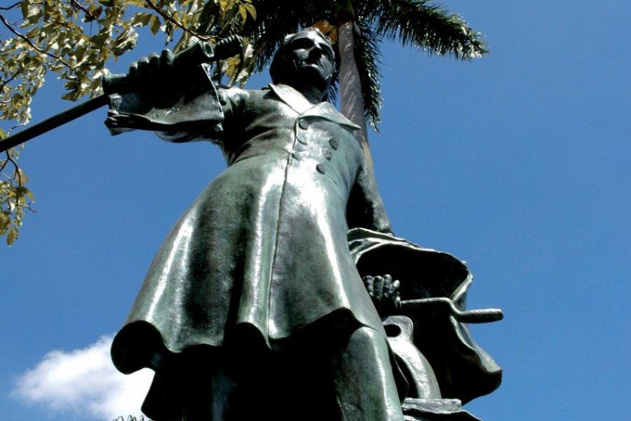 Statue de Juan Mora Fernandez, centre-ville (© Pepeira, Tom - Iconotec))