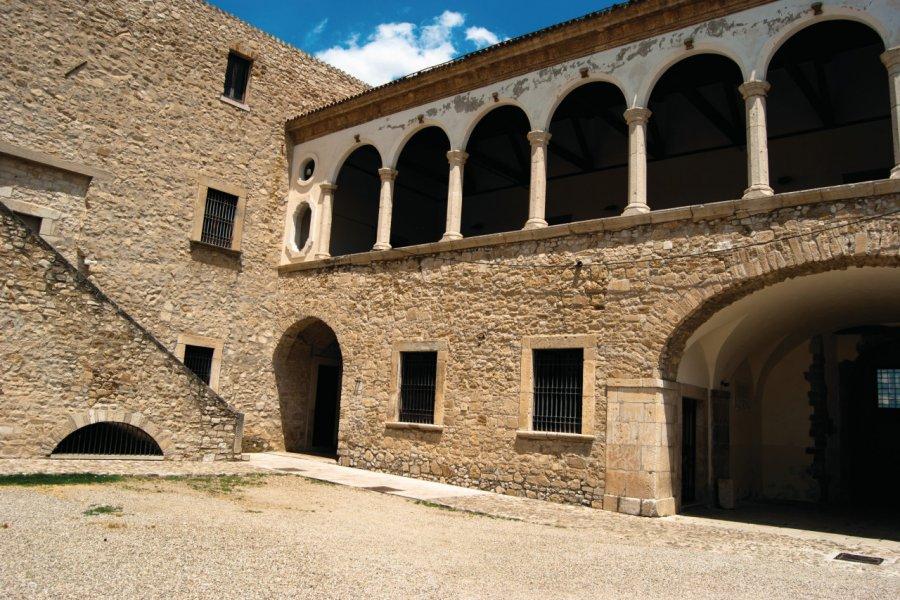 Castello Aragonese Pirro del Balzo. (© Vitofoto74 - Fotolia))