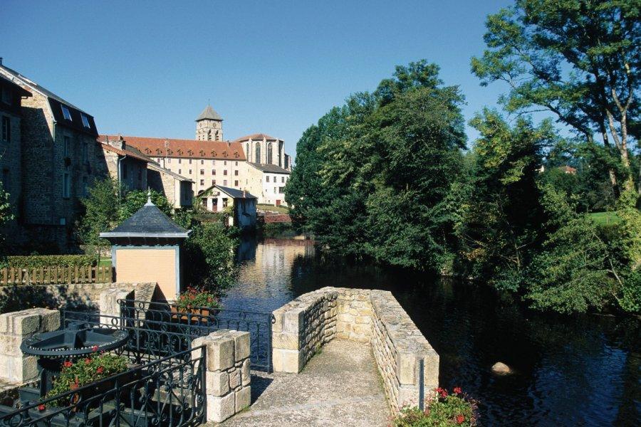 Les rives de la Vienne à Eymoutiers (© Florent RECLUS - Author's Image))