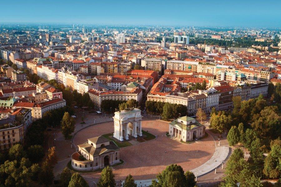Vue aérienne de Milan et sa Piazza Sempione. (© Narvikk - iStockphoto))