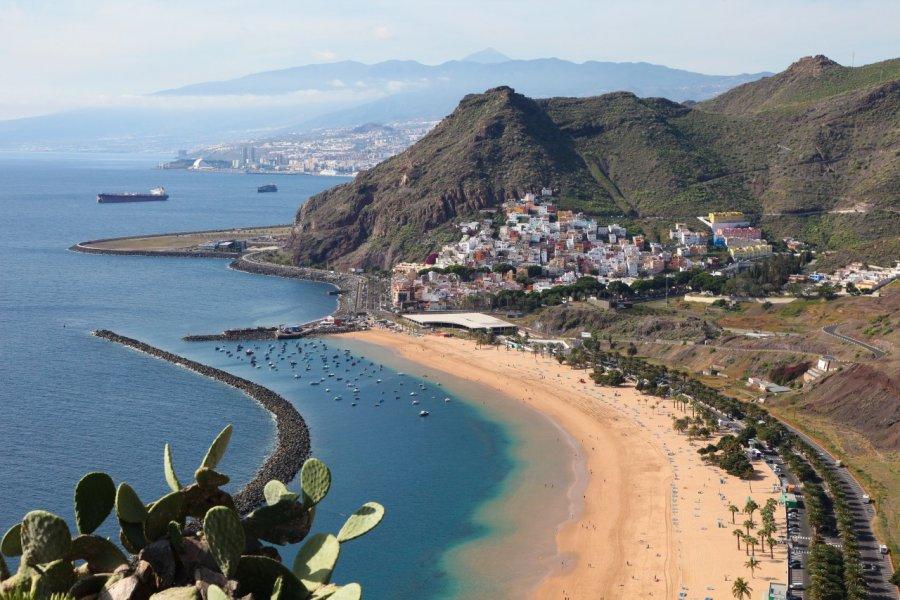 La célèbre Playa de Las Teresitas, près de Santa Cruz de Tenerife. (© jorisvo - Shutterstock.com))
