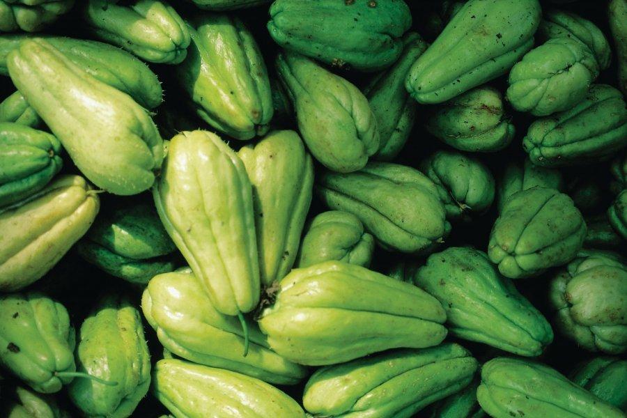 Chouchou ou chayotte, un légume local, au marché de Santo Domingo. (© Sir Pengallan - Iconotec))