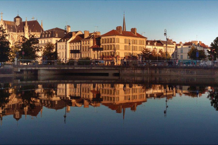 Bassin de la préfecture. (© Olivier Gobert - Troyes La Champagne Tourisme))