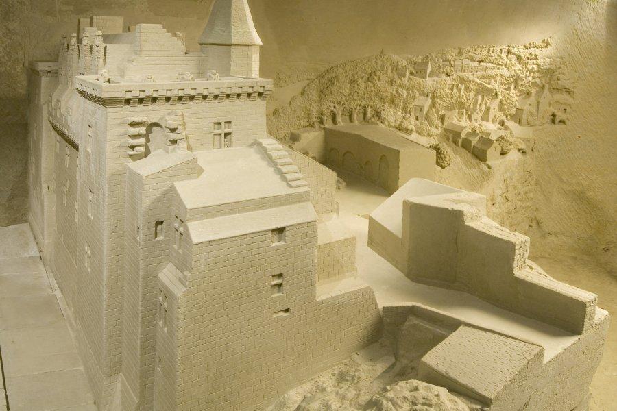 Château de Montsoreau. (© Parc miniature pierre et lumière))