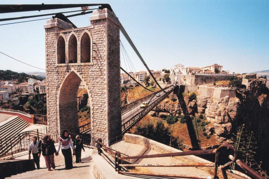 Pont suspendu de Sidi M'Cid. (© Sébastien CAILLEUX))