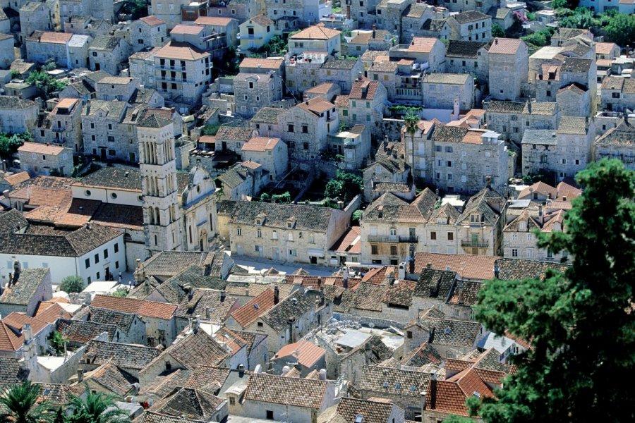 Vue d'Hvar depuis la forteresse Napoléon. (© Author's Image))