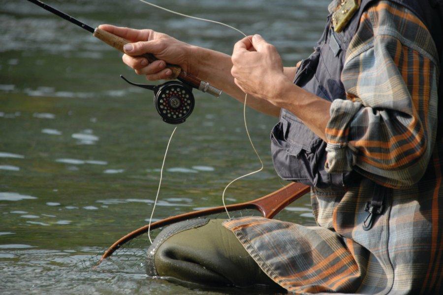 Canne à pêche (© Rémy MASSEGLIA - Fotolia))