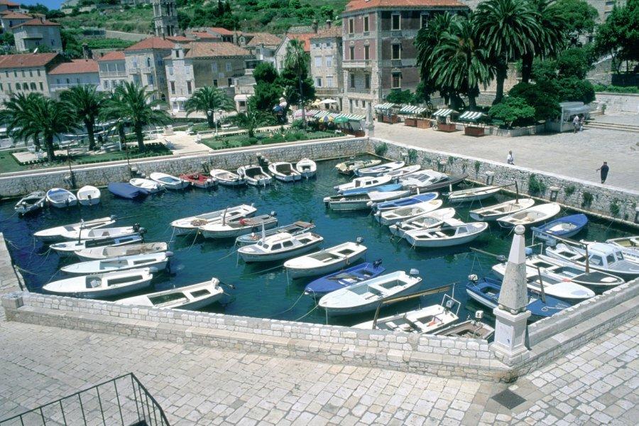 Port de Hvar. (© Erwan Le Prunnec - Iconotec))
