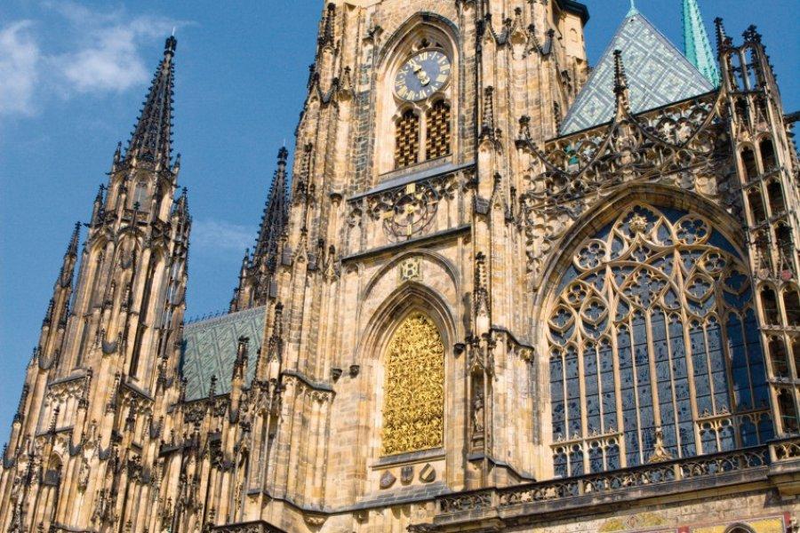 La cathédrale Saint-Guy (Svatý Vít) située à l'intérieur du Château royal. (© Author's Image))