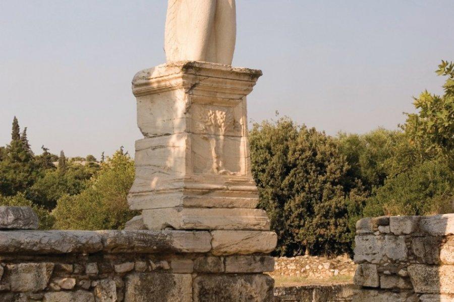 Statue de l'Odéon d'Agrippa dans l'Ancienne Agora. (© BDphoto - iStockphoto.com))