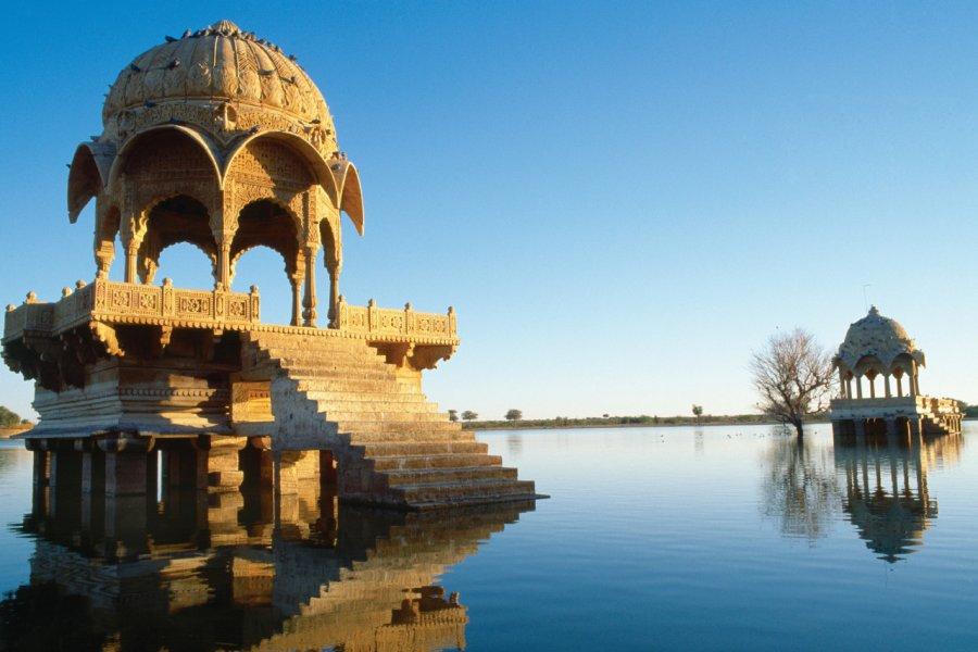 Lac Gadi Sagar, Jaisalmer. (© Gorazd Bertalanic - iStockphoto))