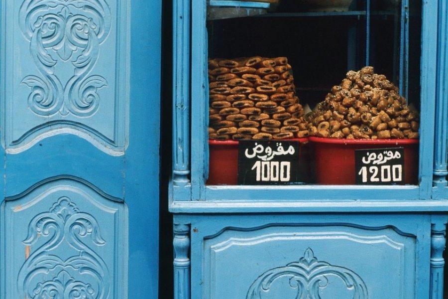 Vente de makrouds dans la médina de Kairouan. (© Author's Image))
