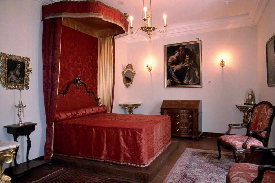 Chambre dans le palais du Recteur. (© Ana NEVENKA - Iconotec))