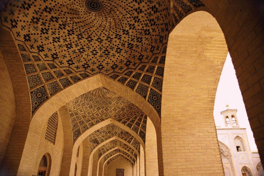 Voûte en mosaïque de la mosquée Nasir-ol-Molk. (© Adam Gault))