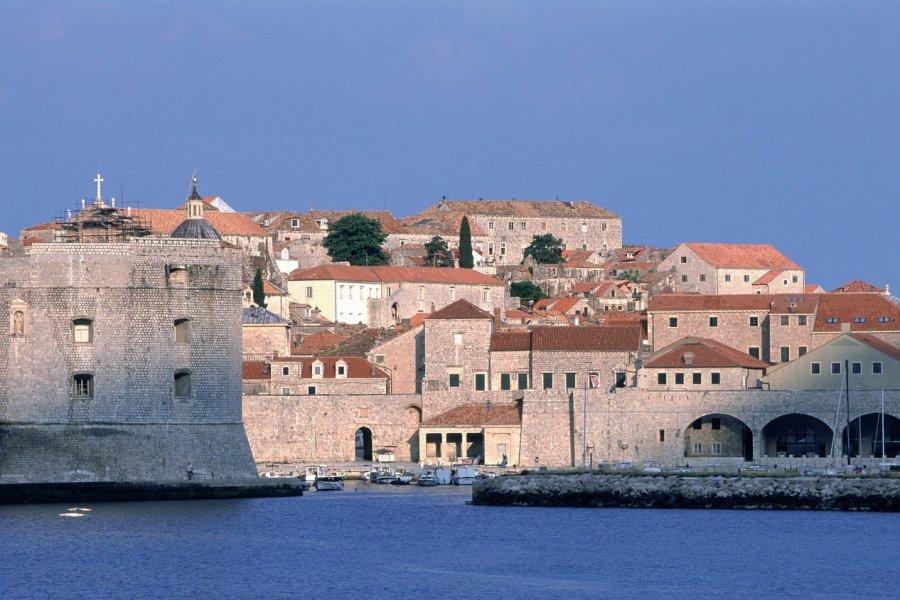 Port et le fort Saint-Jean. (© Ana NEVENKA - Iconotec))
