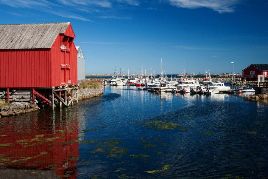 Le port d'Andenes. (© Alexander Erdbeer - Fotolia))