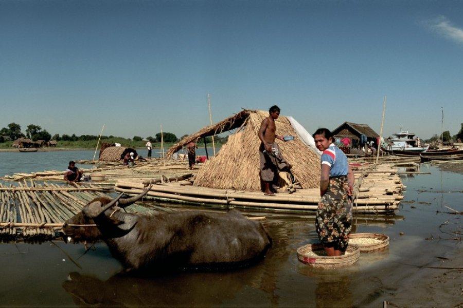 Village lacustre sur les bords du lac Inle. (© Author's Image))