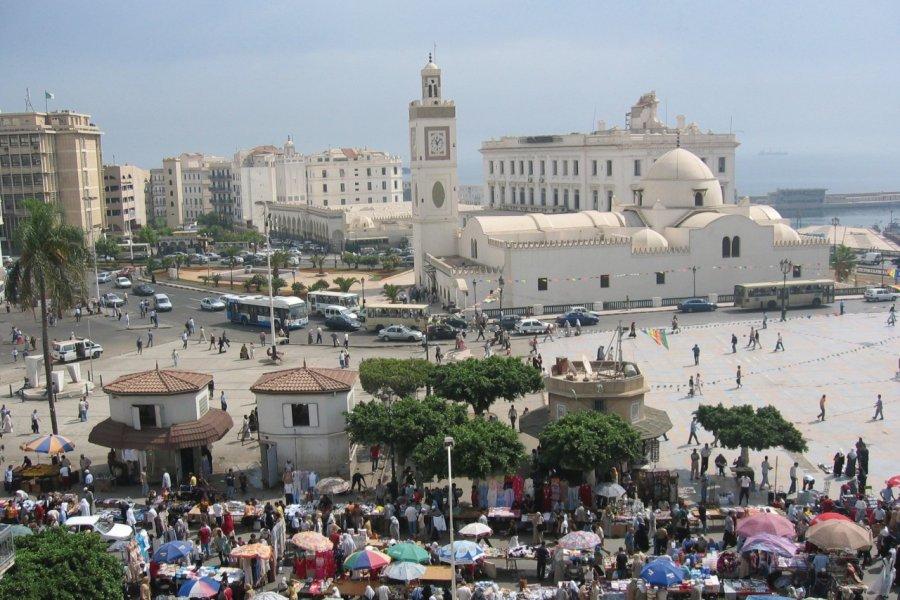 La place des Martyrs et la mosquée El Djedid. (© Jean-Paul LABOURDETTE))