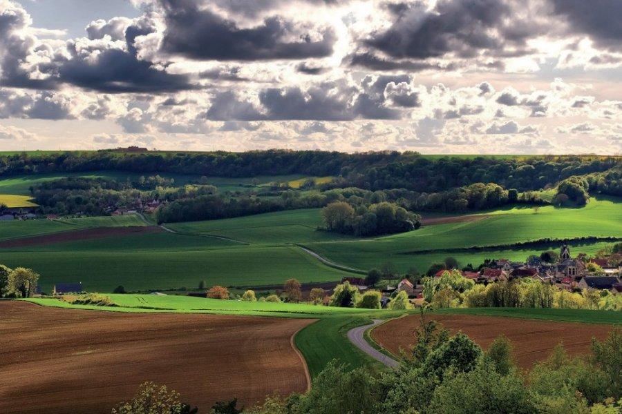Éclaircie sur un village de l'Aisne (© OMBRE MORTELLE - FOTOLIA))
