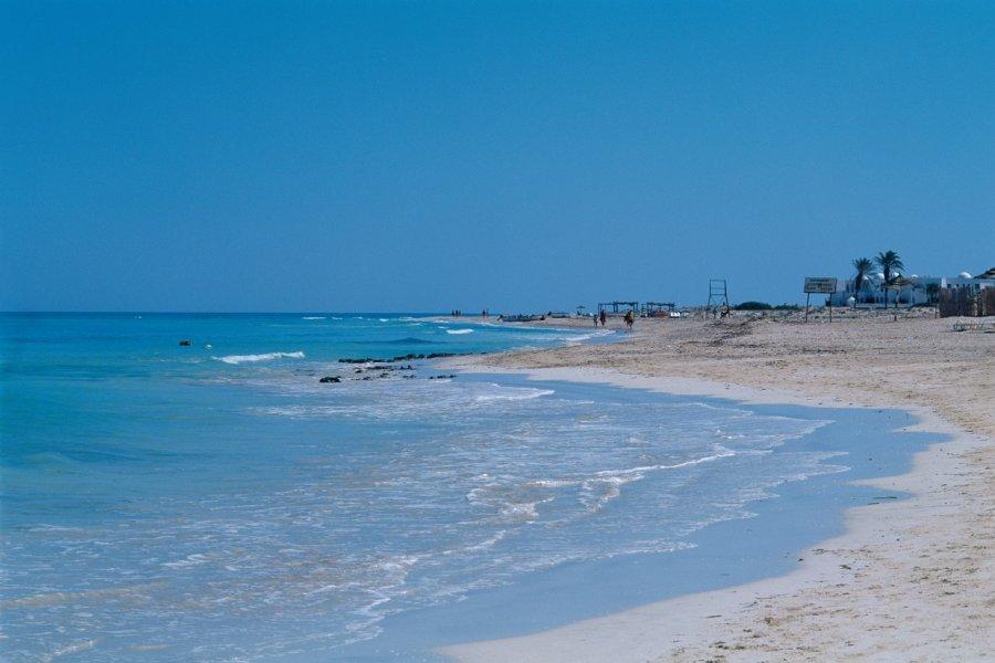 Plage de Sidi Mahrez, zone touristique de Djerba. (© Author's Image))