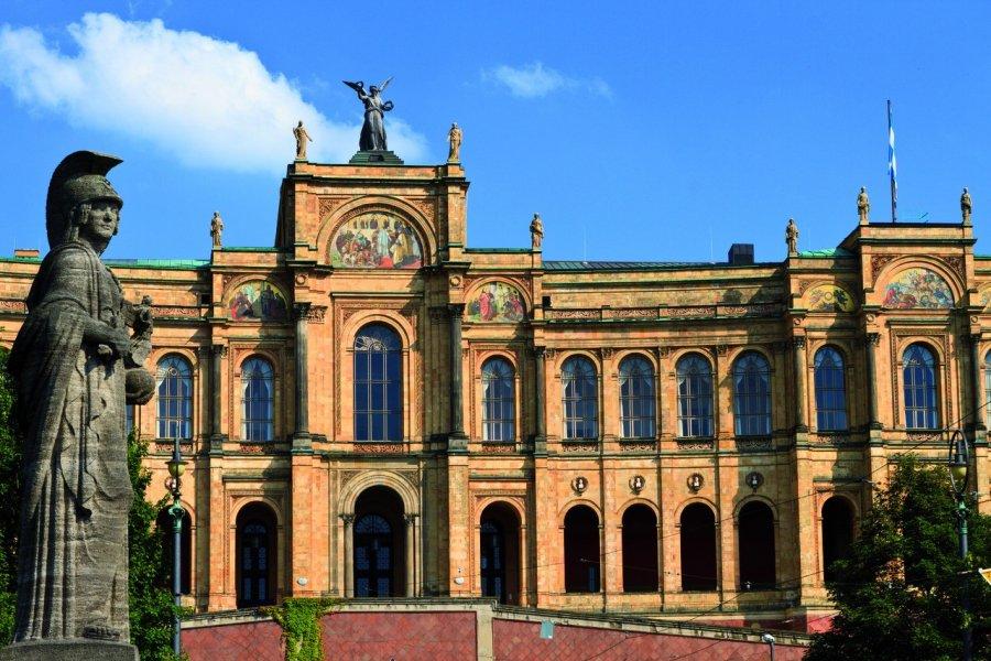 Maximilianeum, le siège du gouvernement d'État de Bavière. (© Lawrence BANAHAN - Author's Image))
