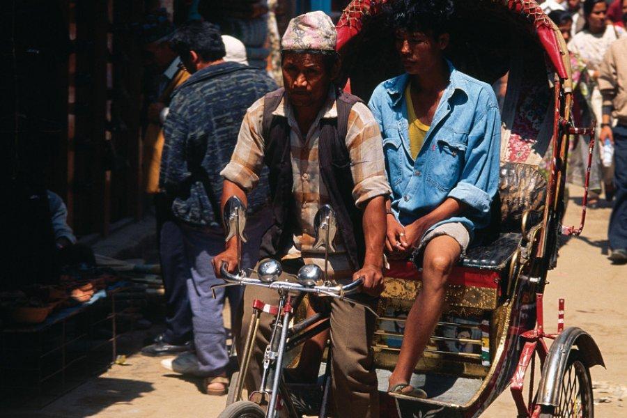 Les rickshaws offrent une bonne alternative pour découvrir les ruelles de Kathmandou. (© Author's Image))