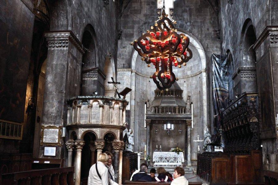 Intérieur de la cathédrale Saint-Laurent de Trogir. (© Luis Davilla))