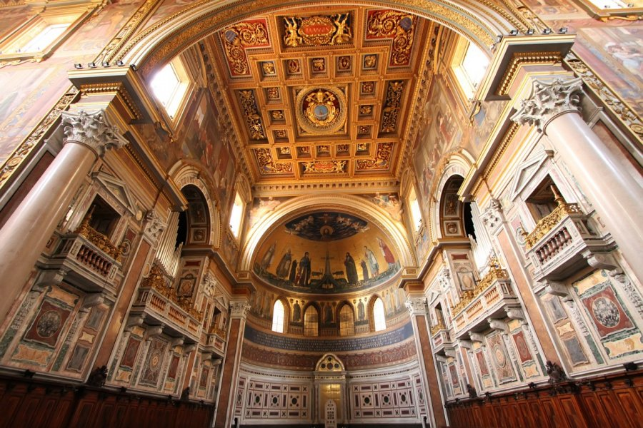 Basilique San Giovanni in Laterano. (© Goran Bogicevic - Shutterstock.com))