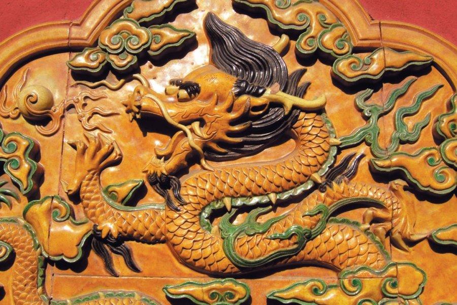 Cité Interdite, céramique de dragon, être céleste omniprésent. (© Stéphan SZEREMETA))