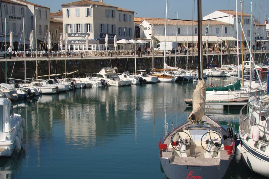 Le port de Saint-Martin-de-Ré (© CMT17 - E. COEFFE))