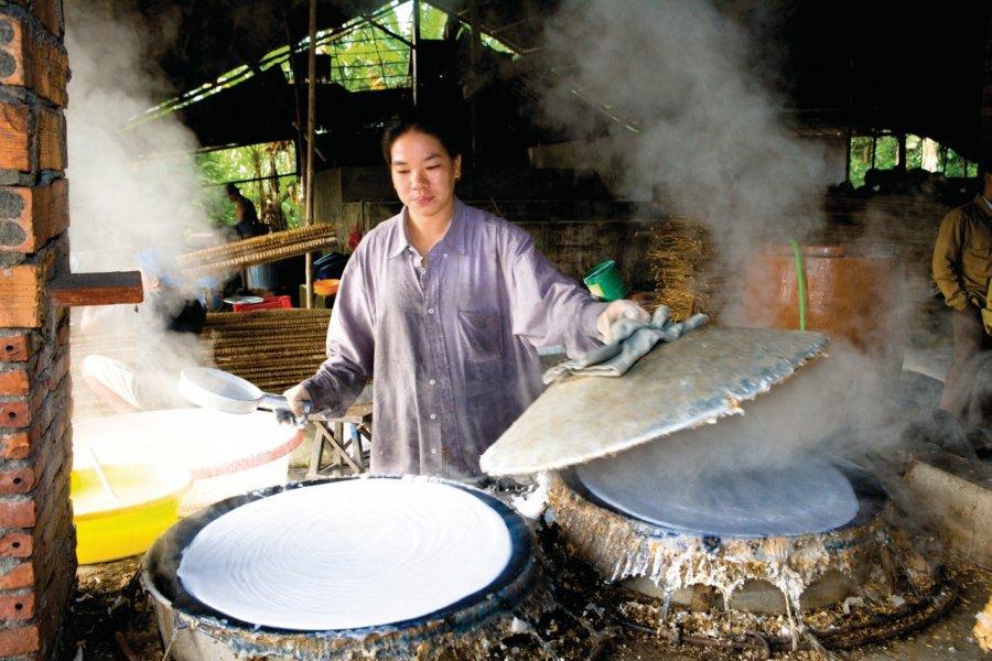 Fabrication de crêpes de riz. (© Author's Image))