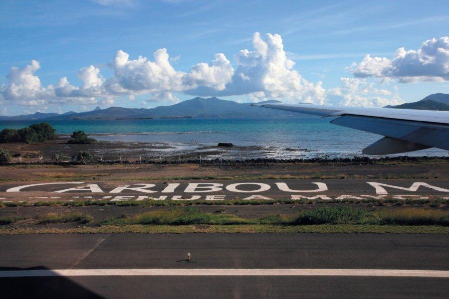 Arrivée à l'aéroport de Petite Terre. (© Stéphan SZEREMETA))