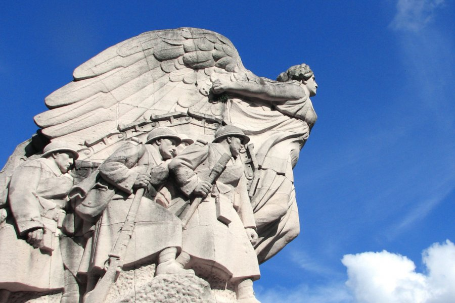 Monument aux morts de Cambrai. (© Brad Pict / Adobe Stock))