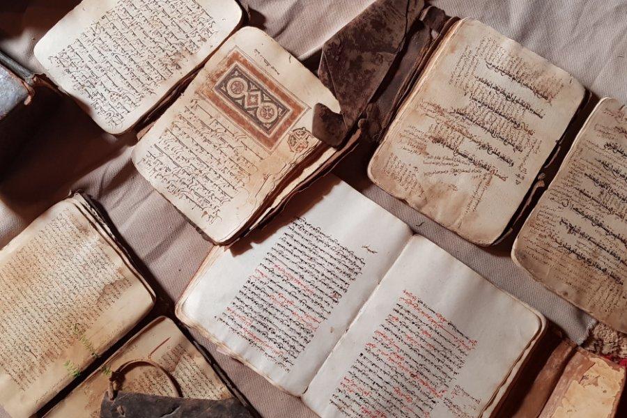 Manuscrits préservés à Ouadane. (© Sylvain Philip))