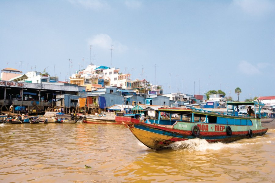 Chaû Dôc, une ville au fil de l'eau. (© Author's Image))