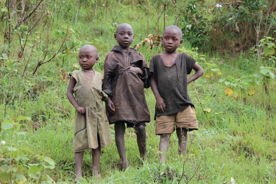 Jeunes Ougandais à Bwindi. (© Abdesslam Benzitouni))