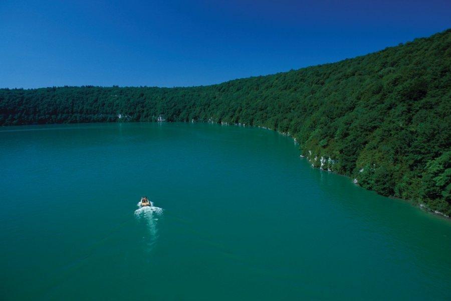 Lac jurassien (© PIERRE DELAGUÉRARD - ICONOTEC))