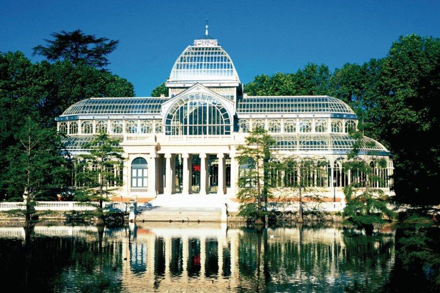 Palais de cristal (Palacio de Cristal) dans le parc du Retiro. (© Alamer - Iconotec))