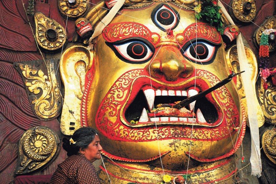 Durbar Square, masque de Bhairava à Kathmandou. (© Hugo Canabi - Iconotec))
