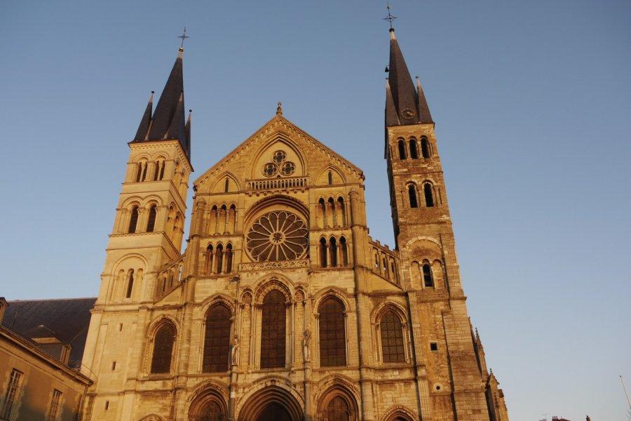 Basilique Saint-Rémi à Reims (© JEAN-PAUL LABOURDETTE))