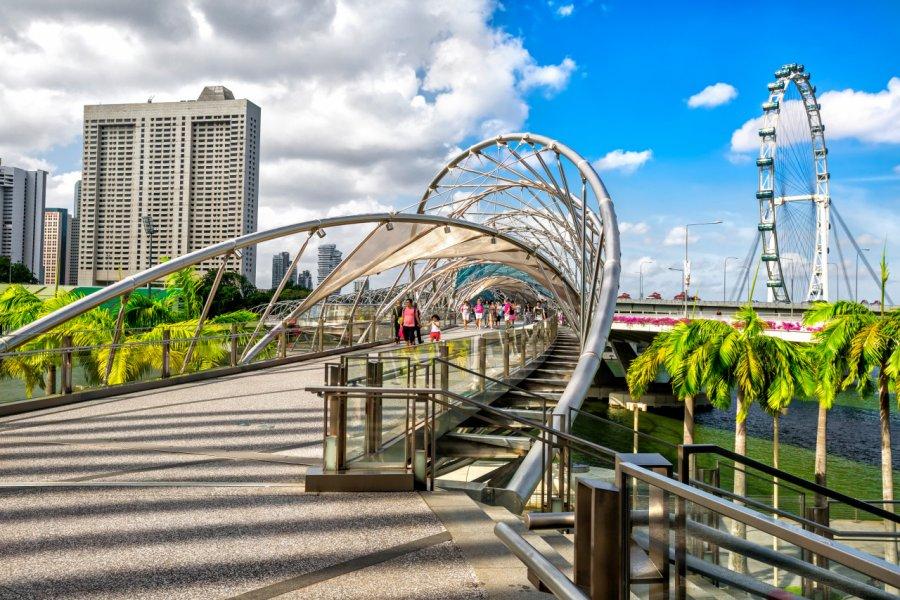 Helix Bridge, Singapour City. (© Maylat - Shutterstock.com))