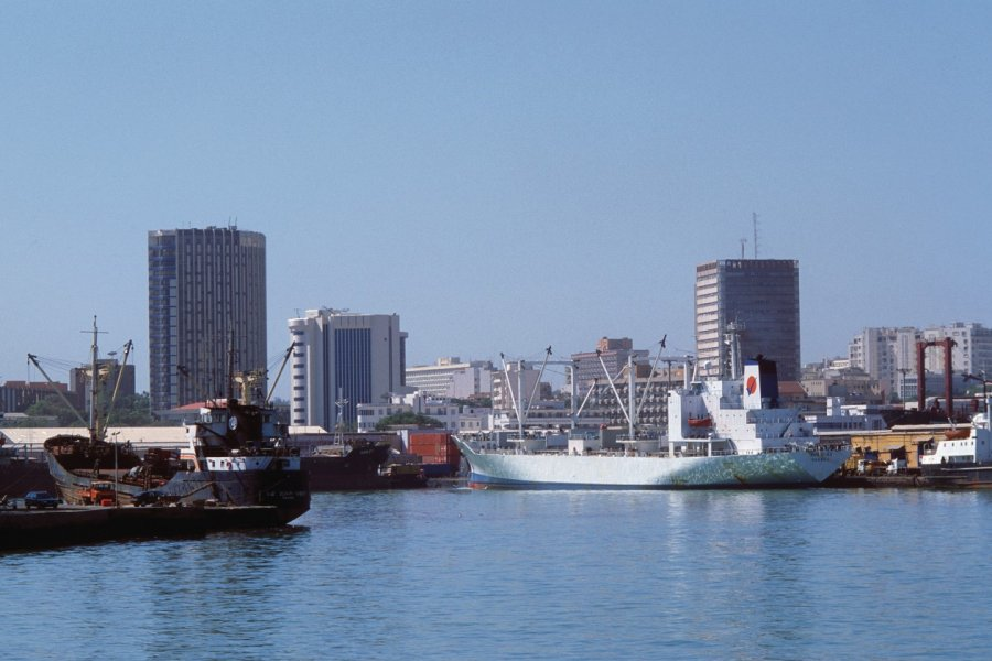 Port maritime de Dakar. (© Author's Image))