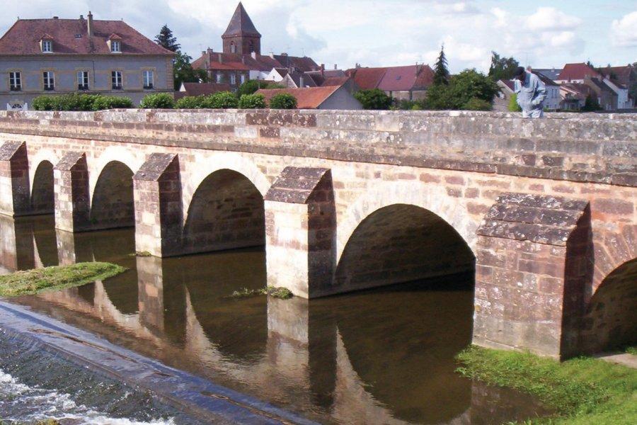 Le pont de Guillon. (© Josiane Maxel))